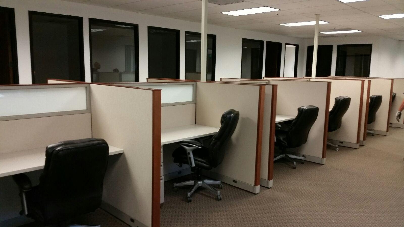 4 Telemarketing Cubicles