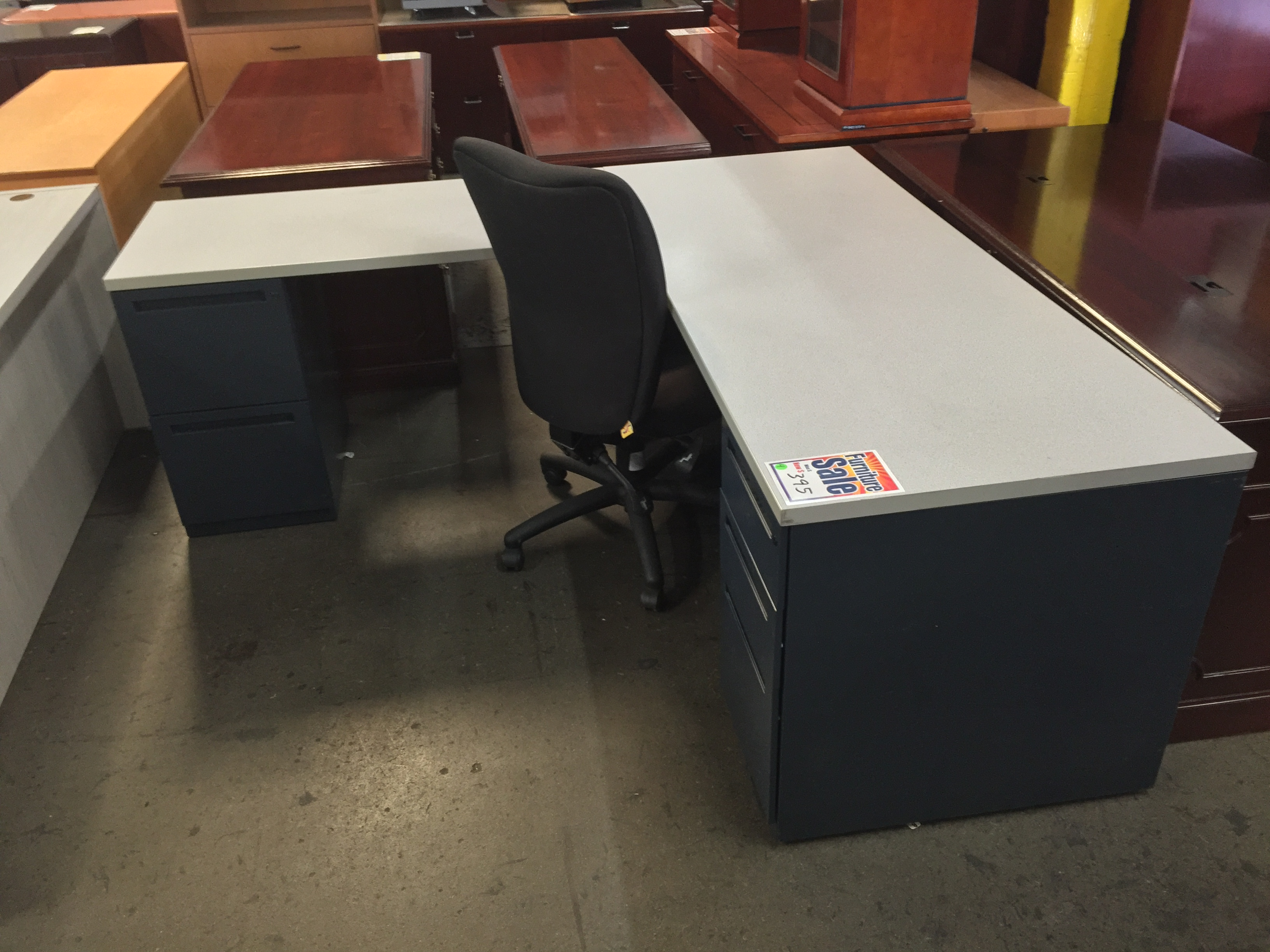 These Durable L Shaped Desks From Allsteel Are A Good Fit For Any Office Light Grey Laminate Worksurface With Dark Metal Base Will Last Many Years