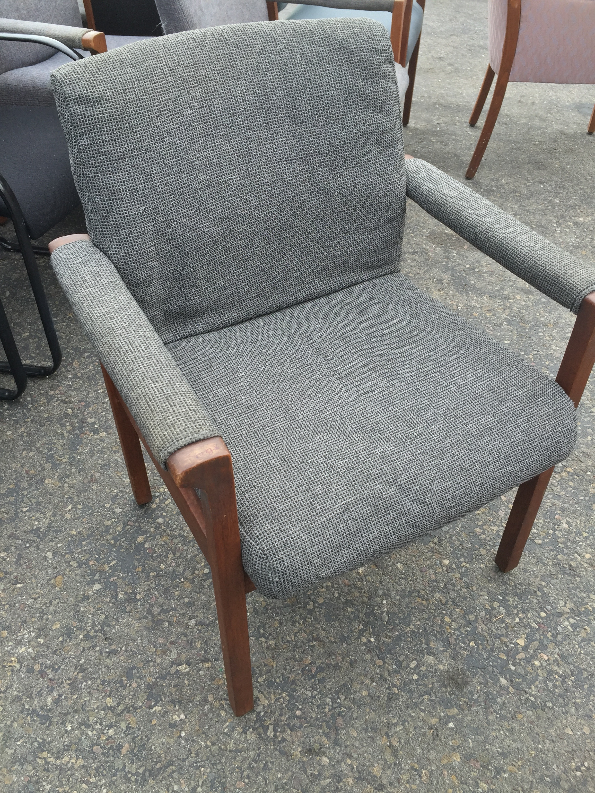 Gray Guest Chair 8490 New And Used Office Furniture In Los Angeles And Orange County