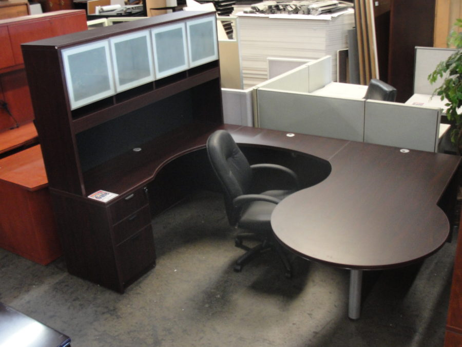 New U Shape Mahogany Desk With Hutch By BOSS New And
